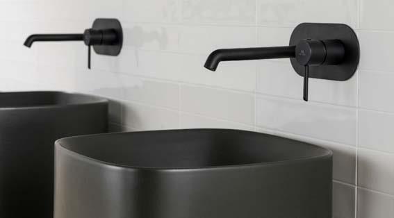 robinets et vasque noire salle de bain  Porcelanosa