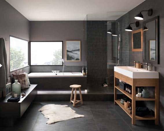 Schmidt aménagement noir blanc et bois vasque blanche