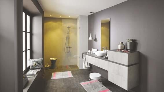 salle de bain grise monochrome