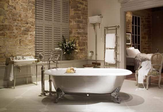 salle de bain moderne campagne chic baignoire à pieds